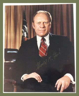 Photograph Signed. Gerald R. Ford.